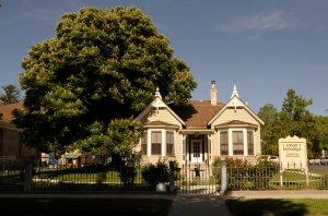 Schultz House